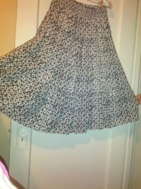Old Navy Skirt black & white