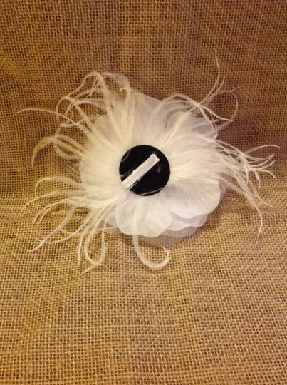 White Flower with Ostrich Feathers Hair Clip Brooch/Pin