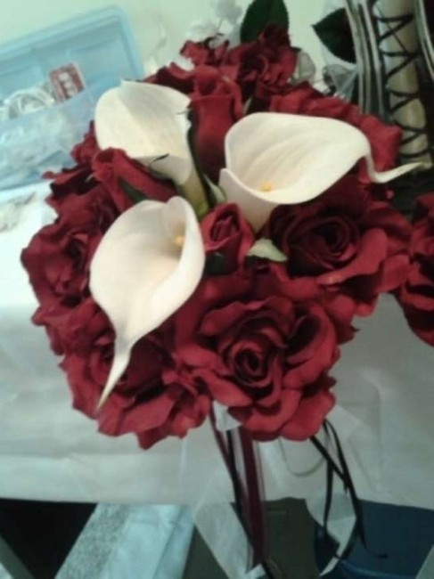 Item - Red/White 2 -attendant Bouquet - Ribbon Wrapped Stems - Silk Flowers Ceremony Decoration