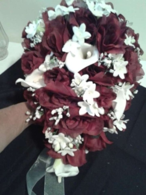 Item - Burgundy Silk Bridal Bouquet Rain Drop Shaped Ceremony Decoration
