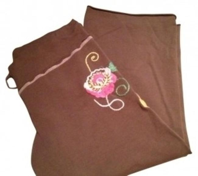 Preload https://item4.tradesy.com/images/pink-lotus-brown-small-floral-design-sweatpants-with-drawstring-capris-size-12-l-32-33-30413-0-0.jpg?width=400&height=650