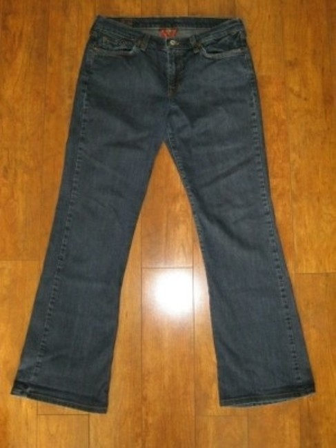 Preload https://img-static.tradesy.com/item/30436/lucky-brand-dark-blue-relaxed-fit-jeans-size-29-6-m-0-0-650-650.jpg