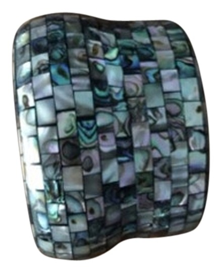 Preload https://item2.tradesy.com/images/green-white-mother-of-pearl-bangle-3043966-0-0.jpg?width=440&height=440