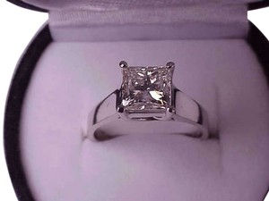 $34.000 2.08ctw VS in Clarity Natural Solitaire Princess Cut Diamond White Gold Ring