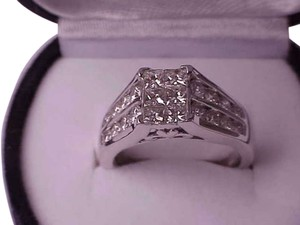 $8000 Unisex 2.00ctw Princess Brilliant Cut Diamonds 14k White Gold Ring, Appraisal Included!