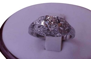 $7057 Estate Vintage .75 cttw Diamond Filigree Platinum Ring, Appraisal Included!