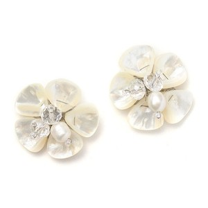 Mariell Freshwater Pearl Flower Stud Bridal Earrings 3135e