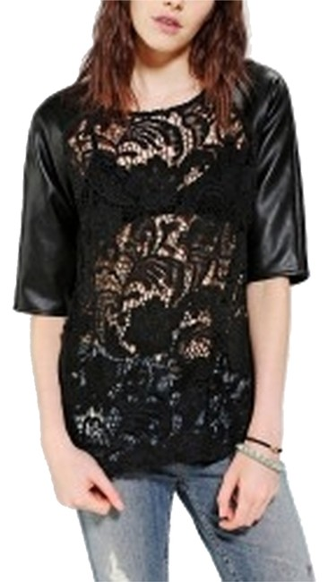 Preload https://item2.tradesy.com/images/urban-outfitters-night-out-top-size-8-m-3047221-0-0.jpg?width=400&height=650
