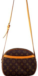 Louis Vuitton Canvas Blois Classic Chic Leather Totes Cross Body Bag