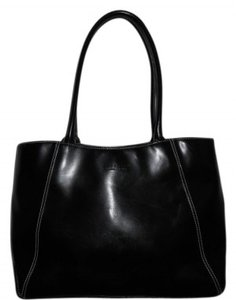 Preload https://item2.tradesy.com/images/kenneth-cole-reaction-classic-black-leather-tote-30486-0-0.jpg?width=440&height=440