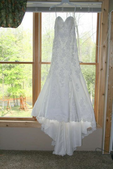 Ivory Tulle and Satin 2302 Wedding Dress Size 2 (XS)