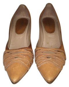 Manolo Blahnik Beige Pumps