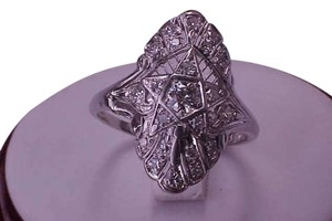 Vintage Antique Estate Platinum .75 cttw Diamonds Filigree ring