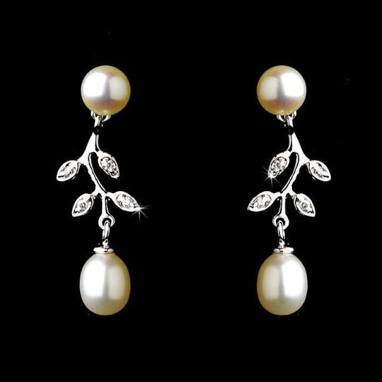 Elegance by Carbonneau Silver Pearl and Rhinestone Jewelry Set