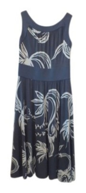 Preload https://item5.tradesy.com/images/bcbg-paris-medium-blue-with-light-blue-floral-print-comfortable-flattering-knee-length-short-casual--30544-0-0.jpg?width=400&height=650