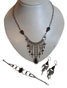 unknown Necklace, bracelet & earrings set