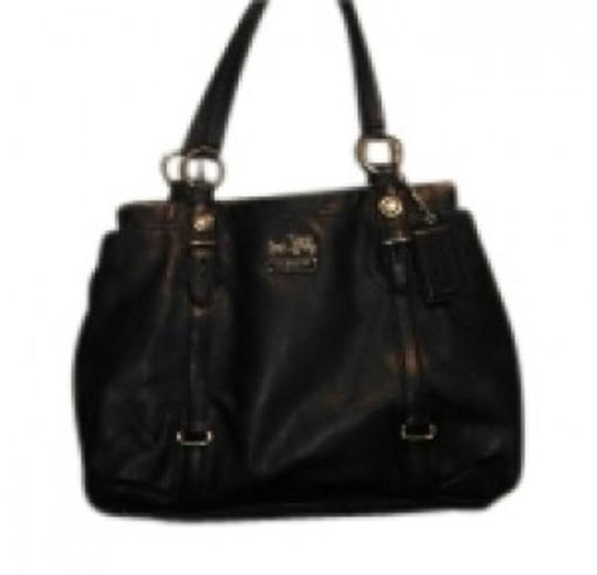 Preload https://item2.tradesy.com/images/coach-black-leather-with-satin-interior-shoulder-bag-30636-0-0.jpg?width=440&height=440