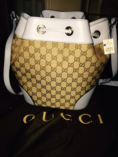 Gucci Leather Bucket Tote in blue