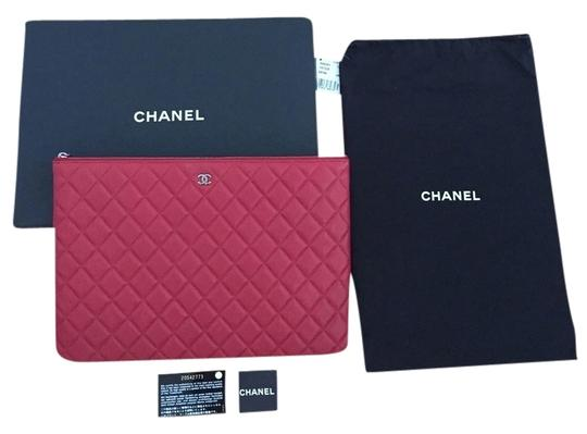 Preload https://item4.tradesy.com/images/chanel-clutch-red-3069733-0-0.jpg?width=440&height=440