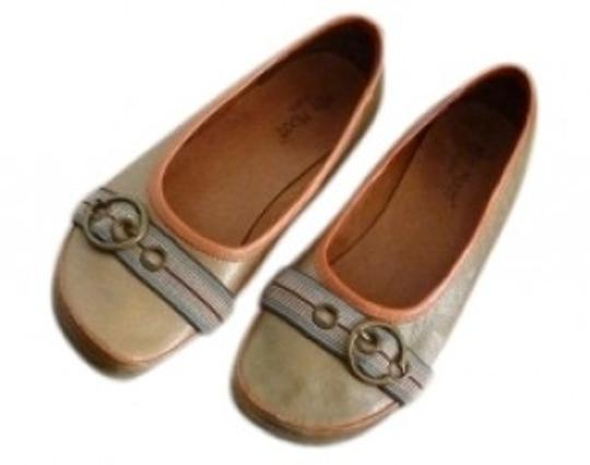 Preload https://item5.tradesy.com/images/miz-mooz-green-leather-upper-manmade-sole-toe-buckle-ballet-flats-size-us-6-regular-m-b-30739-0-0.jpg?width=440&height=440