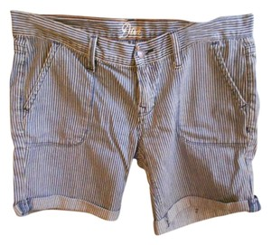 Old Navy Bermuda Cuffed Bermuda Shorts Navy stripe