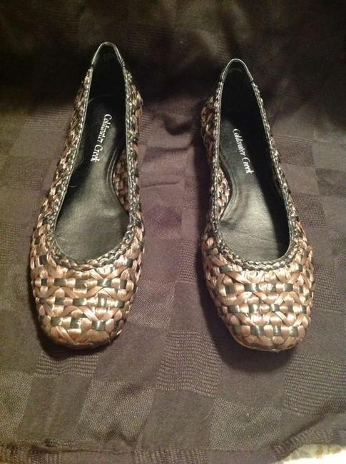 Item - Brown and Black Flats Size US 8.5