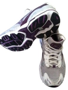 Mizuno purple/white Athletic