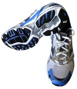 Mizuno blue/white Athletic