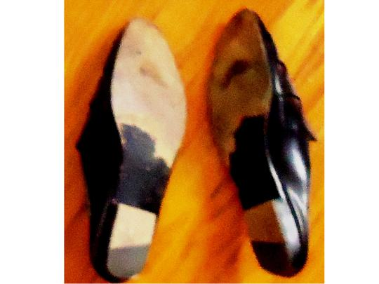 Yero Quoio Italian Leather black Flats