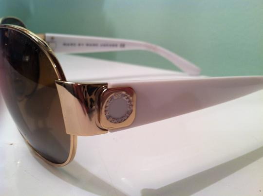 Marc Jacobs Marc Jacobs gold and white aviator sunglasses