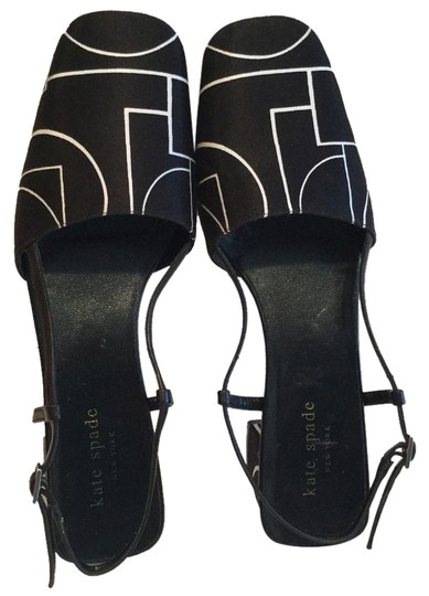 Preload https://item4.tradesy.com/images/kate-spade-black-and-white-pumps-3088798-0-0.jpg?width=440&height=440
