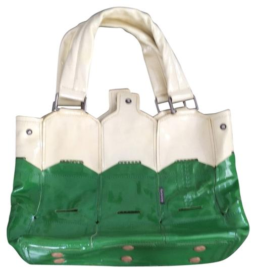 Preload https://item2.tradesy.com/images/orla-kiely-shoulder-bag-green-and-cream-3090136-0-0.jpg?width=440&height=440