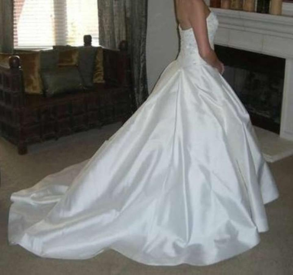 Vera Wang White Silk/Satin Luxe Collection Traditional Wedding Dress ...