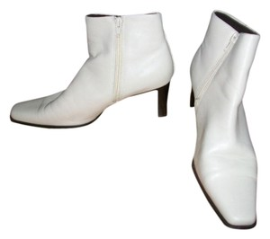 White Mountain Cream Boots