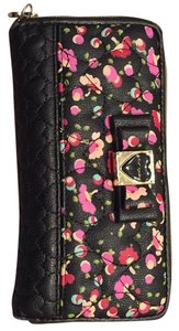 Betsey Johnson Be my Honey Buns Wallet