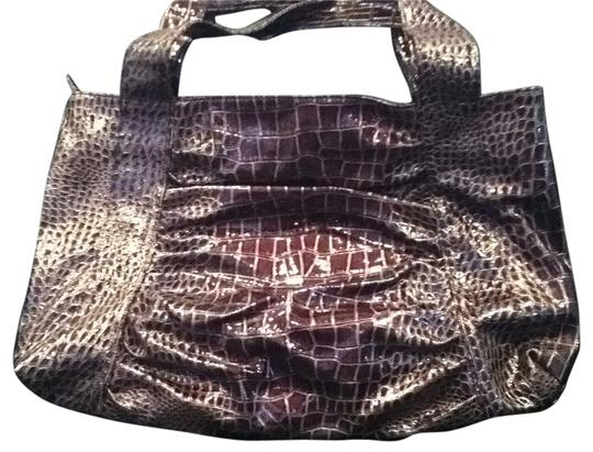 Preload https://item3.tradesy.com/images/zippered-brown-crocodile-tote-30917-0-0.jpg?width=440&height=440