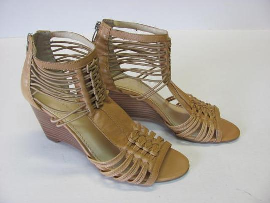 Enzo Angiolini Excellent Condition Size 7m NEUTRAL Wedges