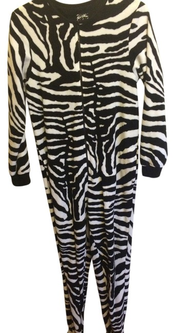 Preload https://item3.tradesy.com/images/nick-and-nora-zebra-sleepwear-night-gown-onsie-cozy-warm-long-romperjumpsuit-size-6-s-3092977-0-0.jpg?width=400&height=650