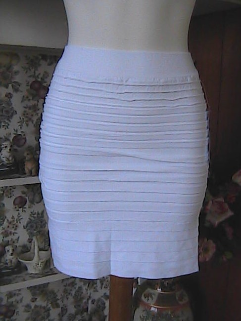 HangHong Seamless Stretch Mini Skirt White
