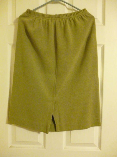 Chaus Skirt Sage Green