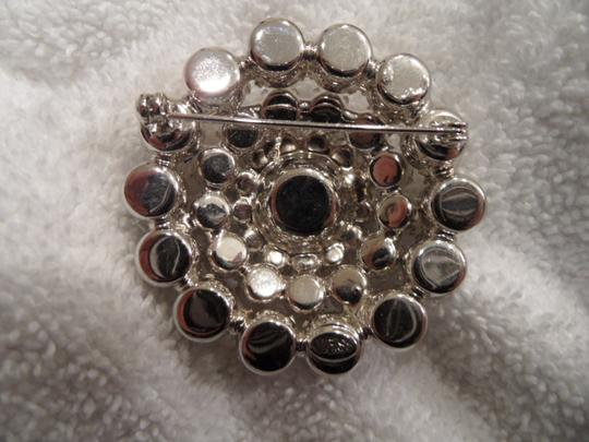 Weiss Furs Vintage, signed (Weiss) prong set white rhinestone 4 tier floral broach