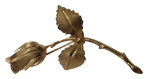 Giovanni Vintage, signed (Giovanni), satin and gloss finish gold stemmed rose (with leaves) pin