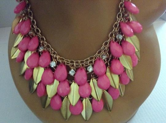 Other Gold Tone Leaves Pink Acrylic Drop Bead Necklace