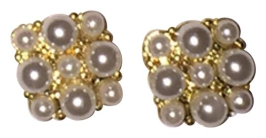 Preload https://item5.tradesy.com/images/unbranded-beautiful-multi-faux-pearl-earrings-3098614-0-0.jpg?width=440&height=440
