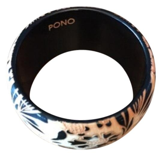 Preload https://item5.tradesy.com/images/natural-and-black-hand-carved-bangle-3098929-0-0.jpg?width=440&height=440