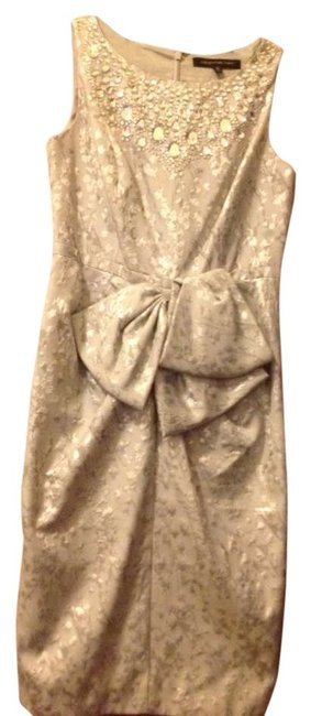 Item - Silver Metallic Bow-waist Knee Length Cocktail Dress Size 6 (S)