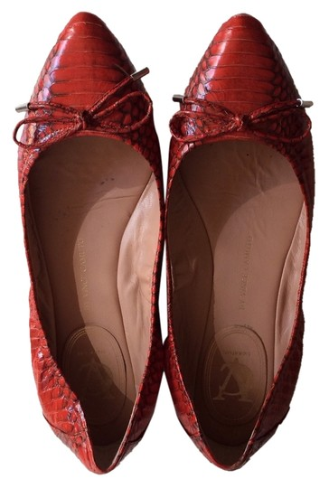 Preload https://item3.tradesy.com/images/vince-camuto-red-flats-3102382-0-0.jpg?width=440&height=440