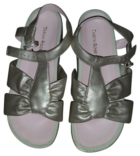 Preload https://item1.tradesy.com/images/taryn-rose-pearl-aviles-style-new-comfy-sandals-size-us-85-regular-m-b-3102925-0-0.jpg?width=440&height=440