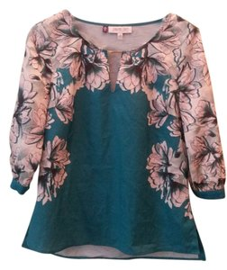 Jennifer Lopez Floral Top Green