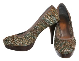 Stuart Weitzman Bronze and Olive Raffia Pumps